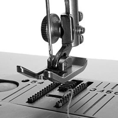 El desarrollo insuperable de la marca de la industria de la máquina de coser
